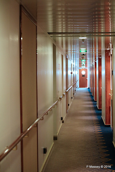 New Cabins Port Hallway Deck 13 Fwd QM2 13-07-2016 15-26-009