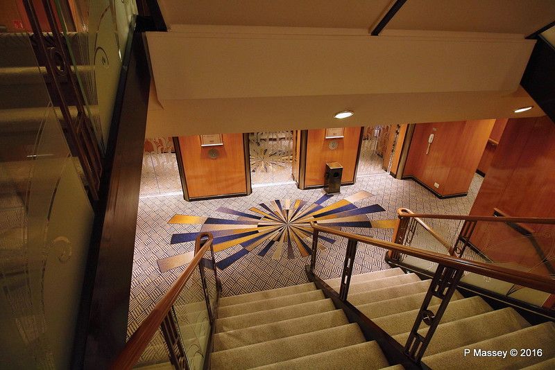Stairway A Deck 9 QUEEN MARY 2 14-07-2016 11-12-08
