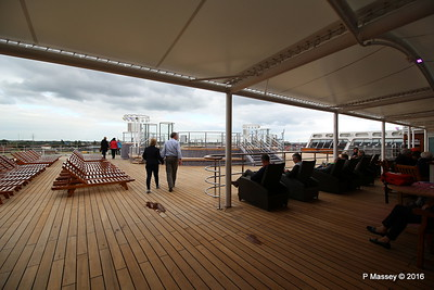 Terrace Pool Deck 8 Aft QM2 15-07-2016 17-53-34