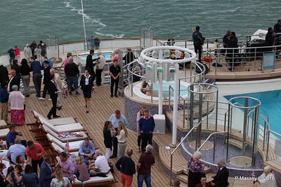 Terrace Pool Deck 8 Sailaway Party QM2 Southampton 13-07-2016 17-54-12