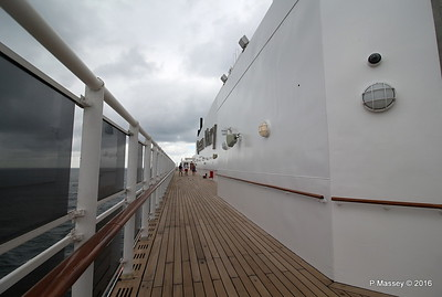 Queen Mary 2 Deck 12 Stb PDM 14-07-2016 10-58-36