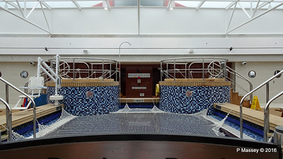 Pavilion Pool & Bar Deck 12 QM2 PDM 17-07-2016 06-38-11