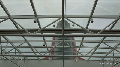 QM2 Funnel through Pavilion Pool Glass Roof PDM 17-07-2016 06-38-16