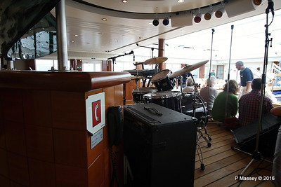 Band Equipment Pavilion Pool & Bar Deck 12 QUEEN MARY 2 14-07-2016 11-00-09