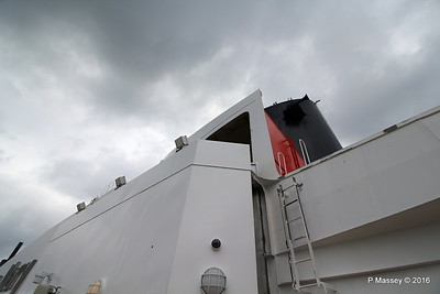 Queen Mary 2 Deck 12 Stb PDM 14-07-2016 10-58-37
