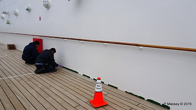Painting Deck 12 QUEEN MARY 2 PDM 16-07-2016 15-28-51