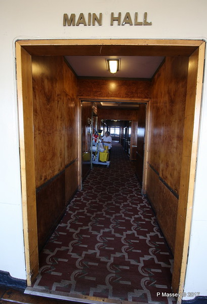 To Main Hall Shopping Area Promenade Deck Port Fwd QUEEN MARY Long Beach 19-04-2017 14-28-48