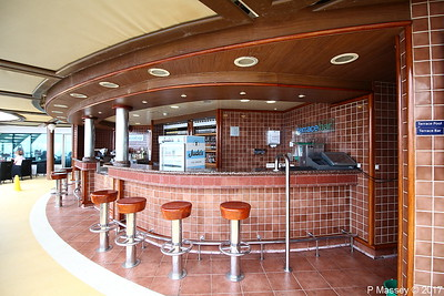 Terrace Bar Aft Lido Deck 15 AZURA PDM 20-08-2017 09-34-34