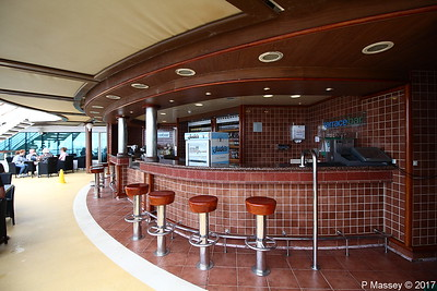Terrace Bar Aft Lido Deck 15 AZURA PDM 20-08-2017 09-34-33