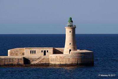 St Elmo Light West Entrance Grand Harbour Valletta PDM 05-07-2017 17-05-37