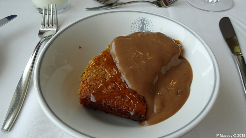 Lunch Grampian Restaurant Sticky Toffee Pudding Cinnamon Chocolate Sauce BRAEMAR 05-04-2018 11-21-12