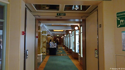 Hallway Royal Arcade Shops Midships Deck 3 Stb QUEEN VICTORIA PDM 05-01-2018 22-07-09