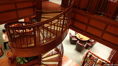 Library Decks 2 & 3 Midships Port QUEEN VICTORIA PDM 05-01-2018 22-01-50
