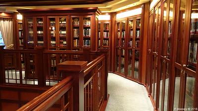 Library Decks 2 & 3 Midships Port QUEEN VICTORIA PDM 05-01-2018 22-01-41