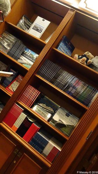Ships Books Bookshop Deck 3 Stb QUEEN VICTORIA PDM 05-01-2018 21-58-04