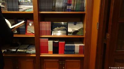 Ships Books Bookshop Deck 3 Stb QUEEN VICTORIA PDM 05-01-2018 21-58-01