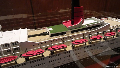 QUEEN ELIZABETH 2 Model not II donated Princess Cruises Commodore Club QUEEN VICTORIA PDM 06-01-2018 16-06-31