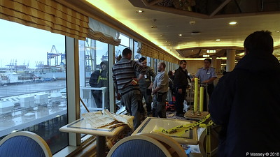 Replacing Window Pane Problems Lido Restaurant Deck 9 Mid Aft QUEEN VICTORIA PDM 05-01-2018 12-05-58