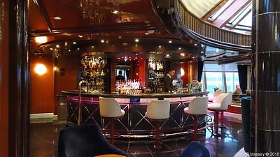 Bar Yacht Club Deck 10 QUEEN VICTORIA PDM 06-01-2018 16-03-31