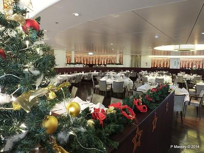 Artania Restaurant Aft Salon Deck 3 PDM 15-12-2014 09-55-01
