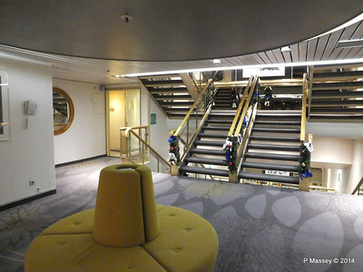 Orion Deck 5 Midship Stairwell Lobby ARTANIA PDM 15-12-2014 08-55-020