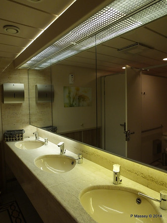 Ladies Restroom Stb aft Salon Deck 3 ARTANIA PDM 15-12-2014 12-53-04