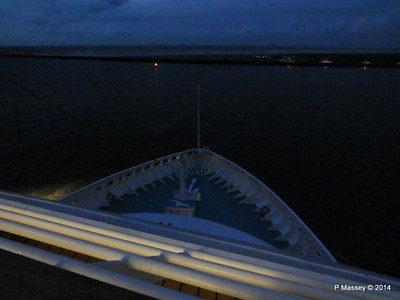 Bow from Sonnen Deck 9 night ARTANIA PDM 15-12-2014 16-16-48