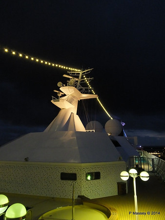 Mast from Observation Platform Fwd night Ijumuiden ARTANIA PDM 15-12-2014 16-12-47
