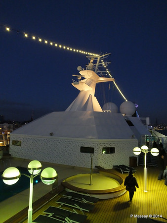 Mast ARTANIA Night Hamburg PDM 13-12-2014 15-46-55