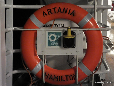Lifebelt Port Promenade Night ARTANIA PDM 16-12-2014 05-54-52
