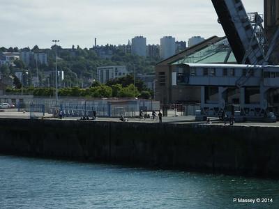 Fishing along quay Cherbourg Cruise Terminal PDM 14-07-2014 15-59-54