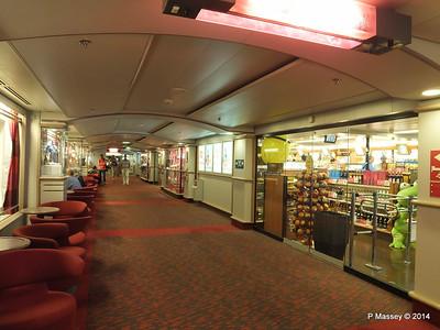 BRETAGNE Deck 8 Stb to Aft PDM 10-08-2014 22-37-054