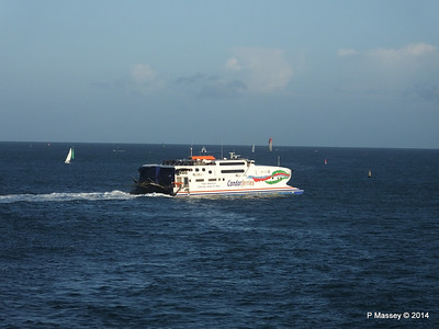 CONDOR RAPIDE Departing St Malo PDM 11-08-2014 07-00-57