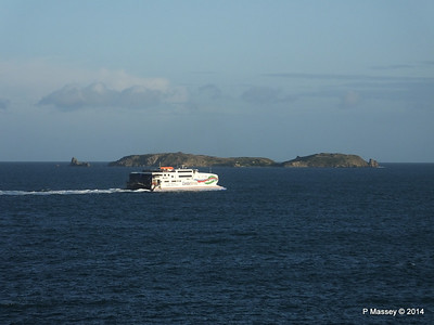 CONDOR RAPIDE Departing St Malo PDM 11-08-2014 07-01-55