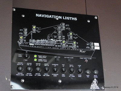 mv FUNCHAL Navigation Lights Bridge PDM 25-04-2014 08-48-44