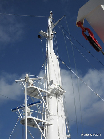 mv FUNCHAL Mast from Bridge Wing PDM 25-04-2014 08-52-36