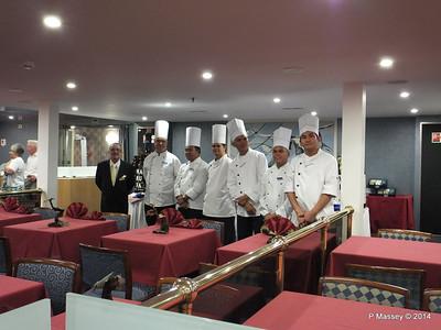 Maitre D' & Chefs Buffet Magnifique mv FUNCHAL PDM 28-04-2014 23-09-53