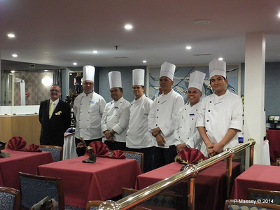 Maitre D' & Chefs Buffet Magnifique mv FUNCHAL PDM 28-04-2014 23-09-58