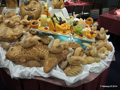 Buffet Magnifique mv FUNCHAL PDM 28-04-2014 23-12-27