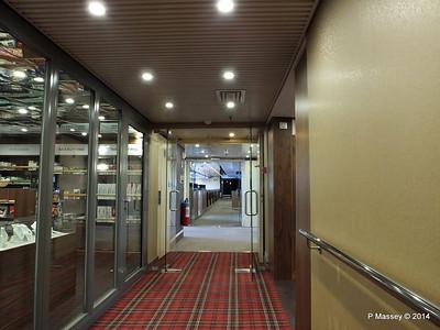 FUNCHAL Stb Hallway by Shop PDM 28-04-2014 08-56-26