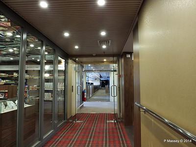 FUNCHAL Stb Hallway by Shop PDM 28-04-2014 08-56-23