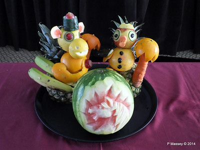 mv FUNCHAL Vegetable Fruit Carving PDM 25-04-2014 10-04-10