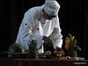 mv FUNCHAL Vegetable Fruit Carving PDM 25-04-2014 09-46-22