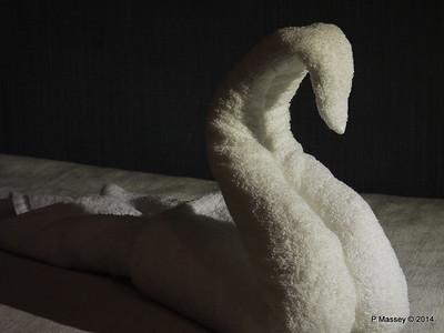 mv FUNCHAL Swan Towel PDM 29-04-2014 22-28-36
