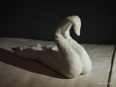 mv FUNCHAL Swan Towel PDM 29-04-2014 22-27-09