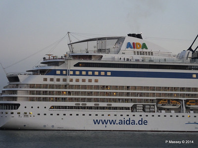 AIDABLU Arriving at Cadiz PDM 26-04-2014 06-35-59