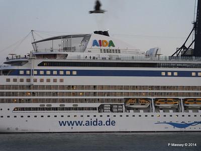 AIDABLU Arriving at Cadiz PDM 26-04-2014 06-36-10