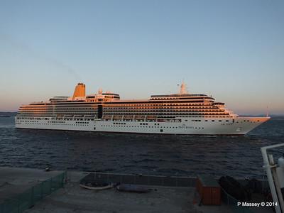 ARCADIA Arriving Gibraltar PDM 27-04-2014 06-39-11