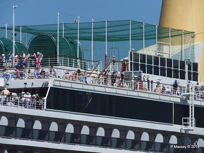 ARCADIA Passengers Gibraltar PDM 27-04-2014 11-42-04