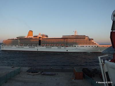ARCADIA Arriving Gibraltar PDM 27-04-2014 06-39-24